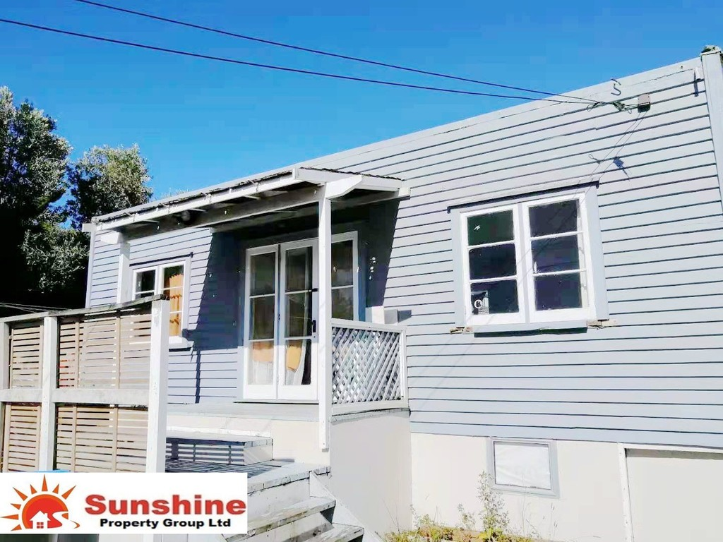 Mount Roskill, 2 bedrooms