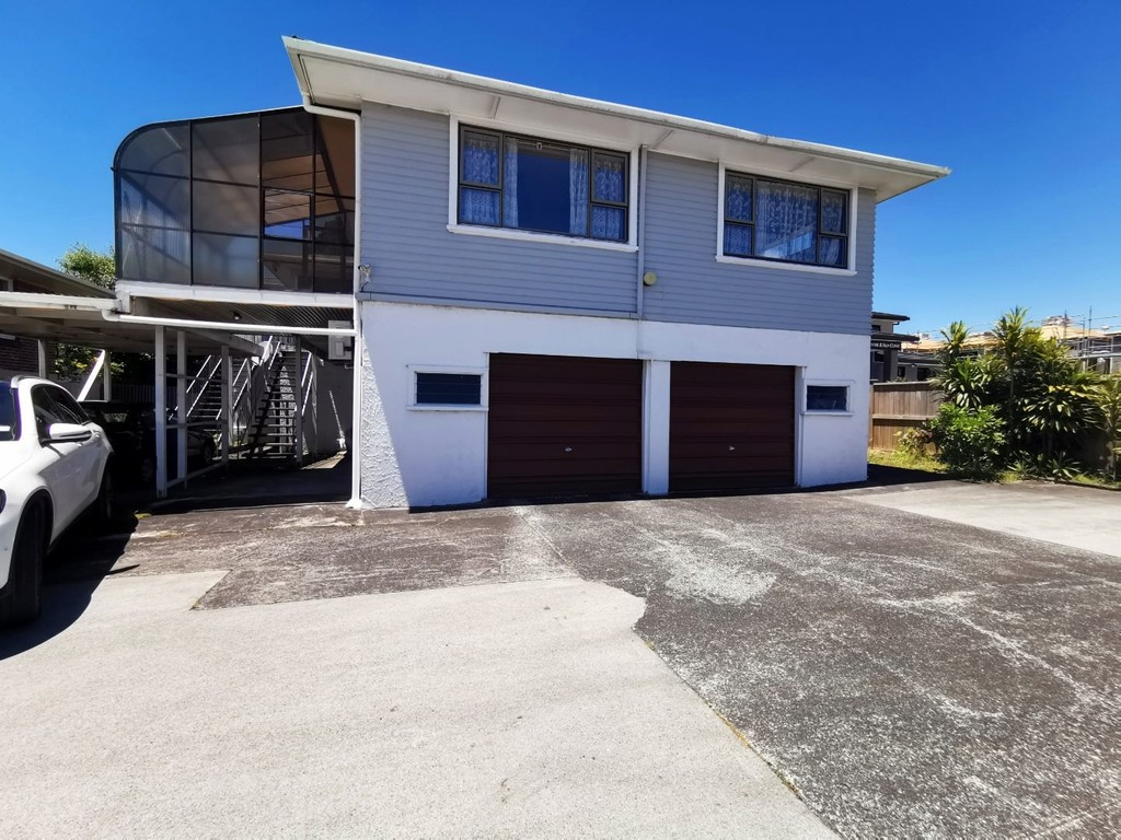Te Atatu South, 3 bedrooms